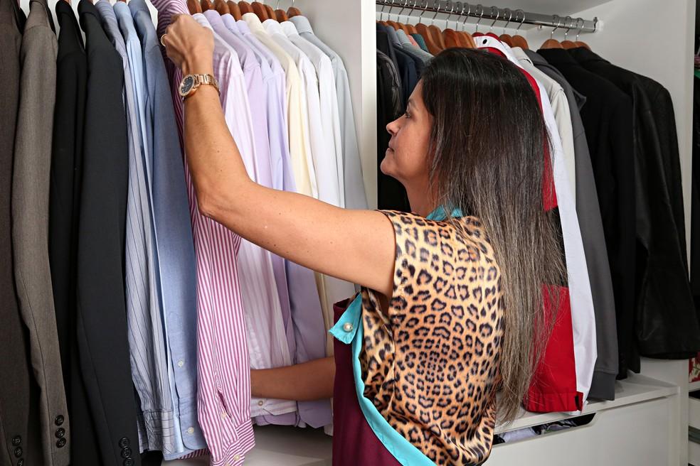 Karine cobra R$ 70 pela hora de arrumação (Foto: Celso Tavares/G1)
