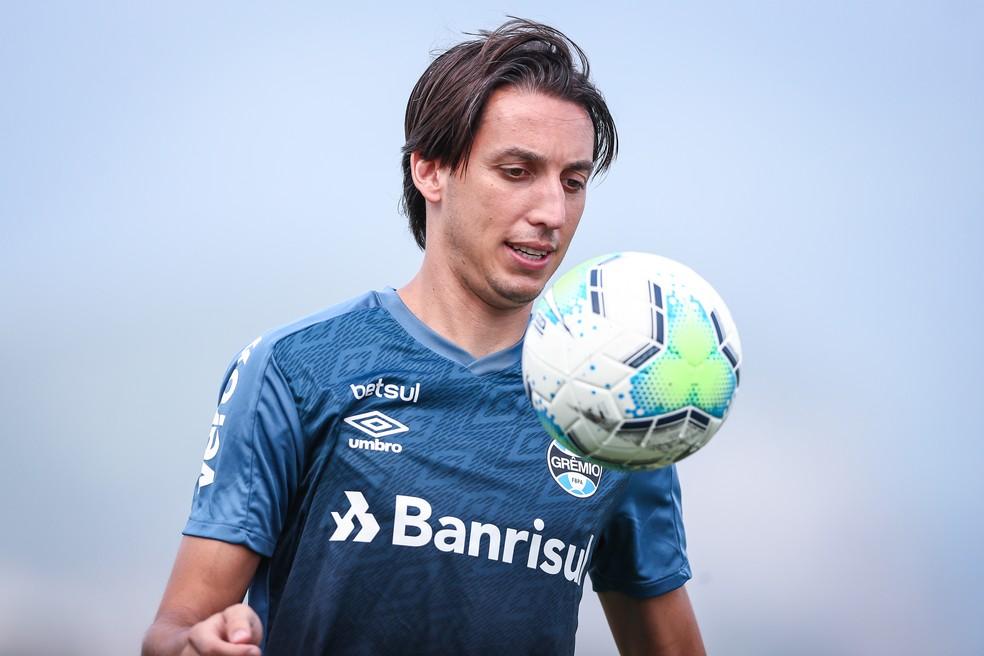 Pedro Geromel está entre os relacionados para o Gre-Nal — Foto: Lucas Uebel/Grêmio