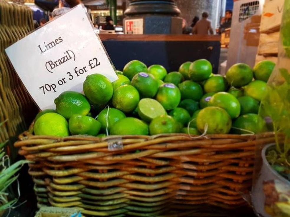 Frutas estão entre os produtos agrícolas que encontrariam oportunidades com um possível Brexitmesmo sem acordo, diz Associação — Foto: RENATA MOURA / BBC NEWS BRASIL