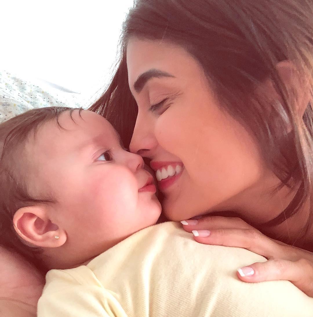 Letícia Almeida e a pequena Maria Madalena (Foto: Reprodução/Instagram)