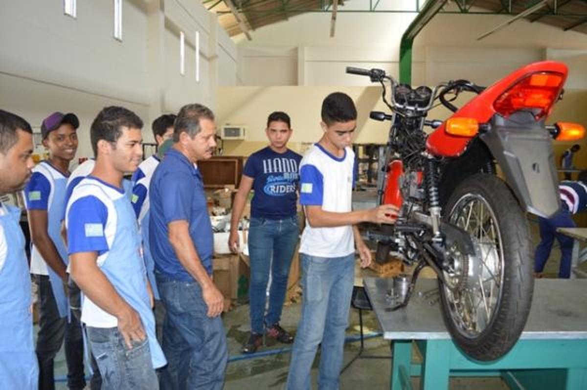 Projeto oferta 100 vagas em cursos gratuitos para estudantes em Garanhuns