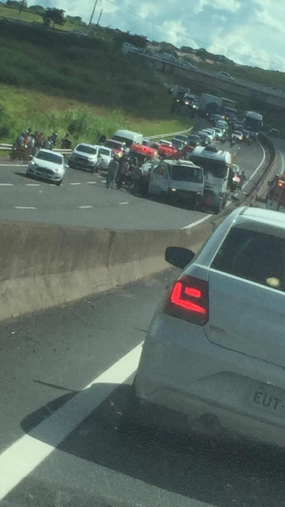 Acidente causou congestionamento em Marília — Foto: Ana Levorato/TV TEM
