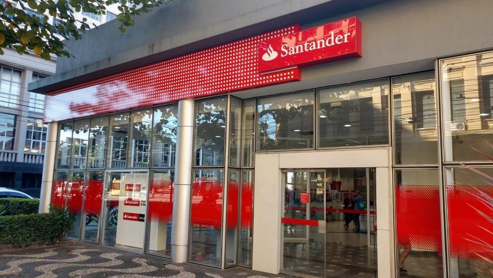 Agência do Santander em Santos (SP) — Foto: Fabiano Couto/Sindicato dos Bancários de Santos e Região