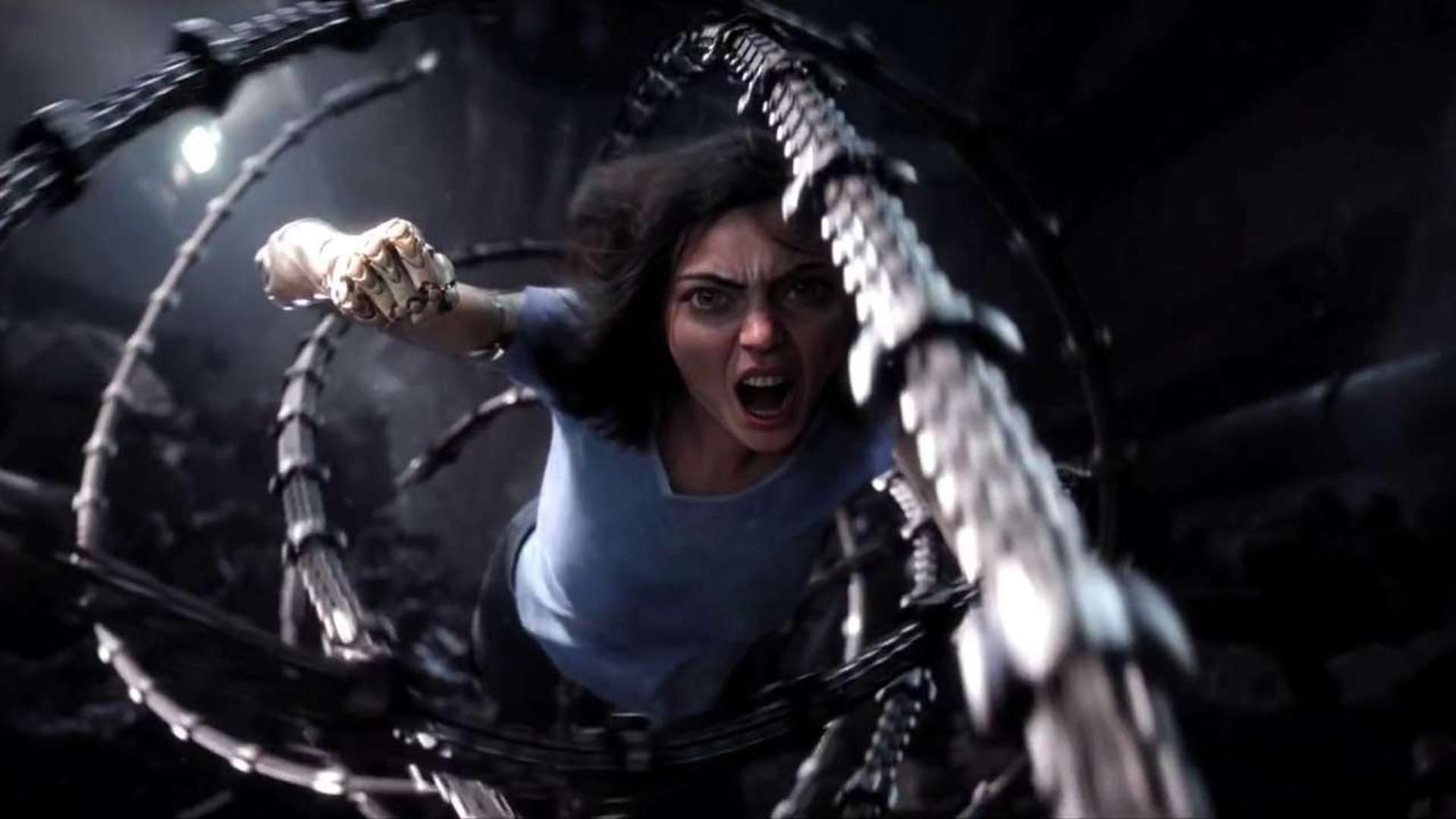Rosa Salazar vive Alita, uma ciborgue com poderes especiais (Foto: Divulgação)
