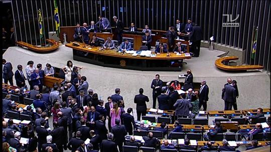 Eunício defende usar parte das emendas parlamentares para bancar campanhas