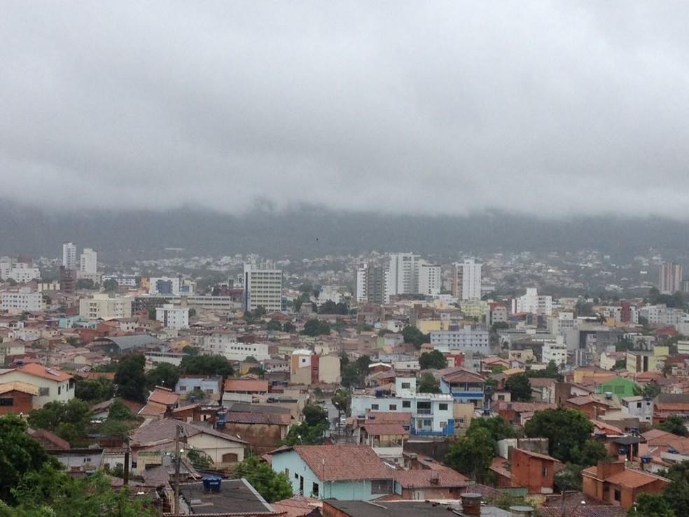 Bombeiros atenderam 16 ocorrências ao todo (Foto: Valdivan Veloso/G1)