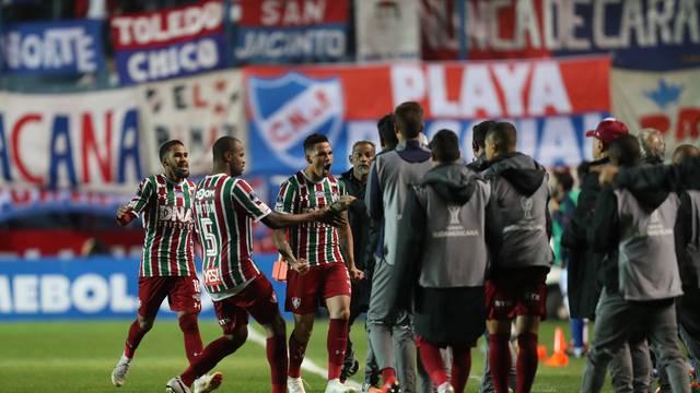 Luciano e jogadores do Fluminense comemoram gol
