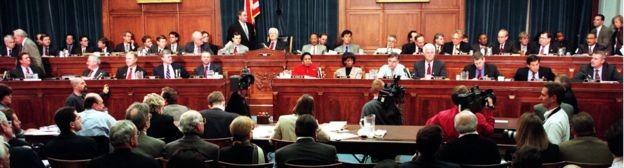 A Câmara de Representantes votou pela última vez pela abertura de um processo de impeachment - no caso, de Bill Clinton - em 1998 (Foto: AFP via BBC News Brasil)