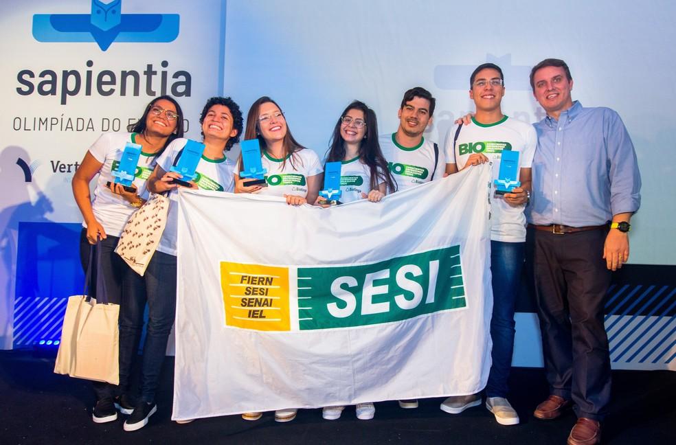 Estudantes de Mossoró receberam prêmio no último sábado (16), em São Paulo — Foto: Divulgação/Sapientia Olimpíada do Futuro