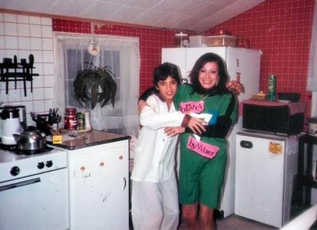 Latino com a mãe, Regina Dirce, nos Estados Unidos (Foto: Arquivo pessoal)