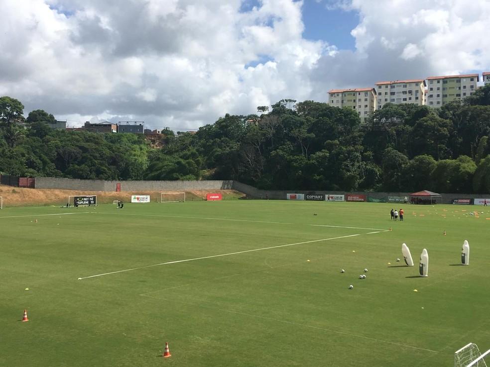 Plano da diretoria do Vitória é voltar aos treinos na próxima segunda-feira — Foto: Thiago Pereira