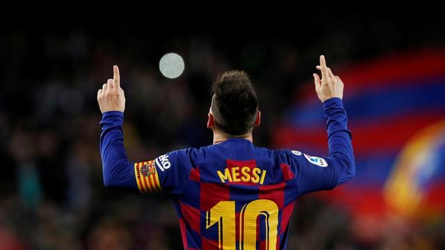 Messi comemora um dos gols contra o Celta