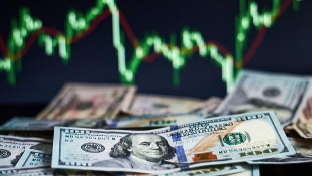Resultado de imagem para Dólar chega a R$ 4,66