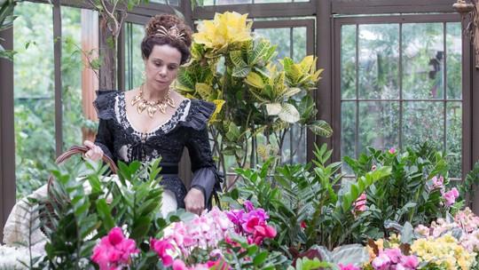 Autores fazem mistério sobre os segredos de Maria Amália