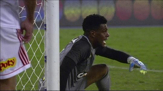 Botafogo e Vila Nova abrem negociação por empréstimo do goleiro Saulo até o fim de 2019