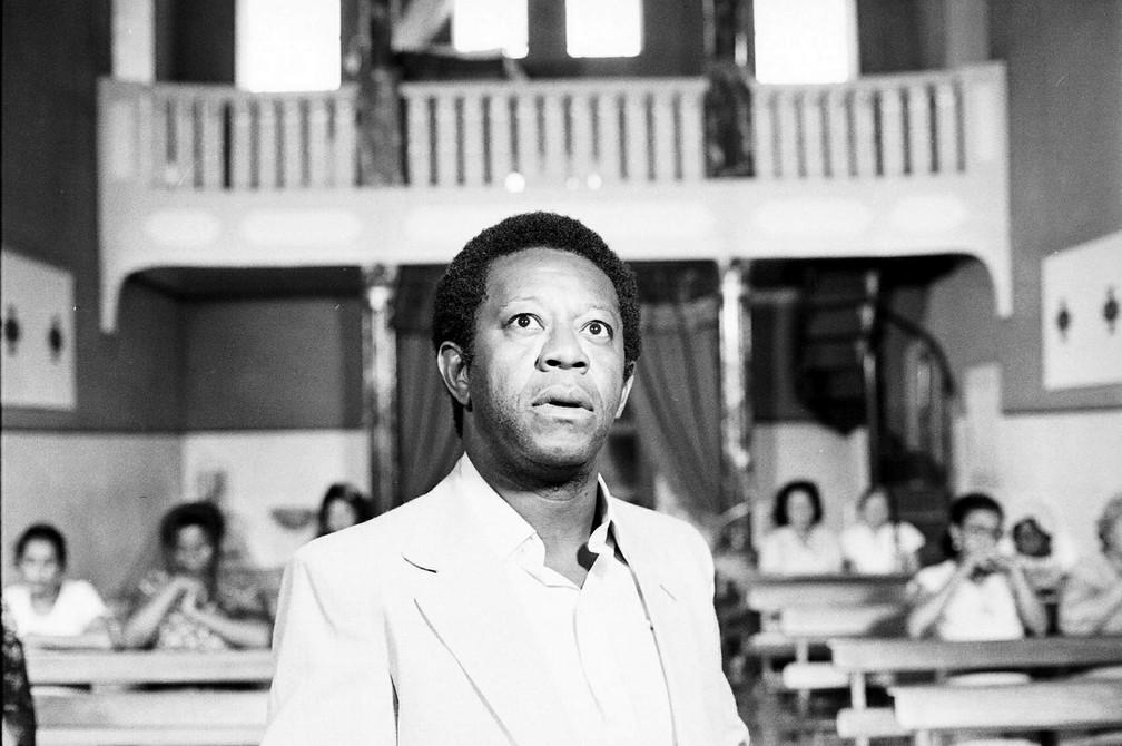 Milton Gonçalves em 'O Bem Amado', de 1973 — Foto: Acervo TV Globo