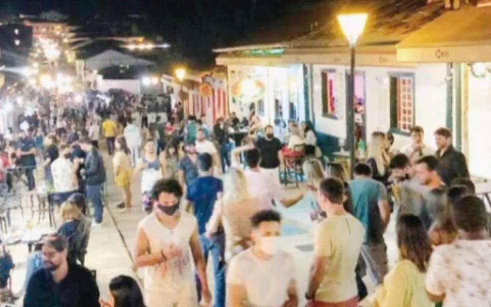Pirenópolis registra aglomeração durante feriado, em Goiás — Foto: Reprodução/TV Anhanguera