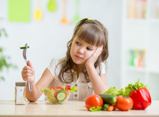 Os legumes e verduras são importantes para fornecer vitaminas, minerais e um composto indispensável para o crescimento: a proteína (Foto: Shutterstock/ Reprodução)