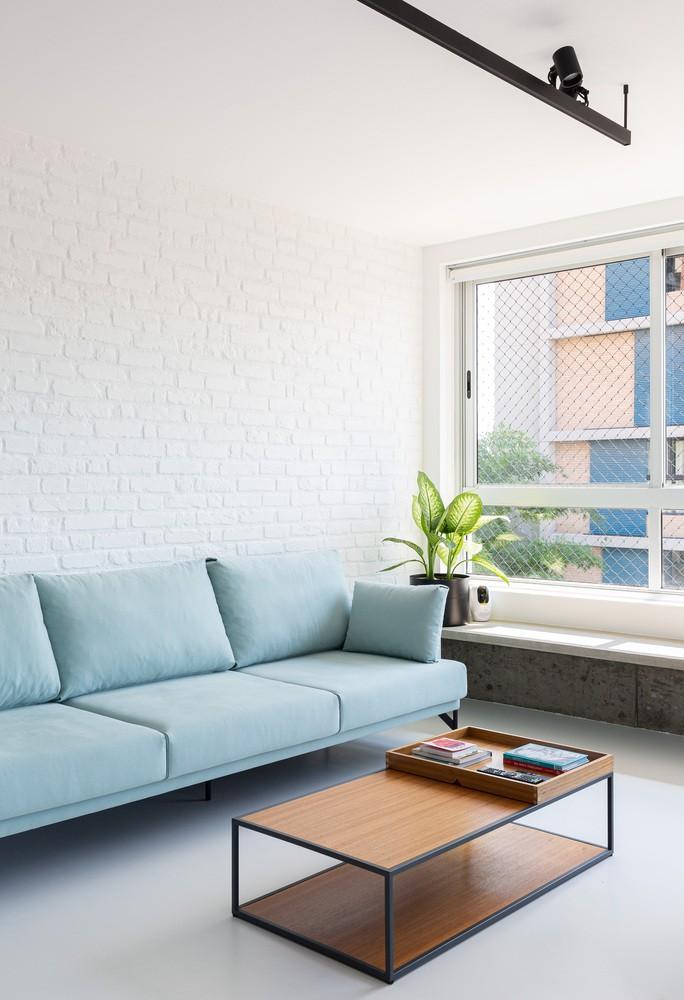 Como deixar o sofá aconchegante em cada estação do ano