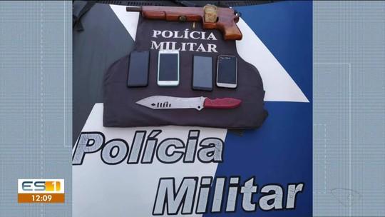 Dois homens são presos 10 minutos depois de cometerem assalto a ônibus em Linhares, ES