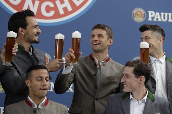 O tim-tim de Hummels e Müller