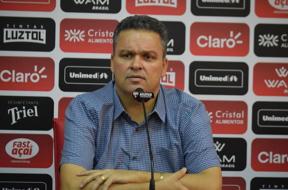 Adson Batista, presidente do Atlético-GO, está preocupado com o futuro do Serra Dourada — Foto: Paulo Marcos