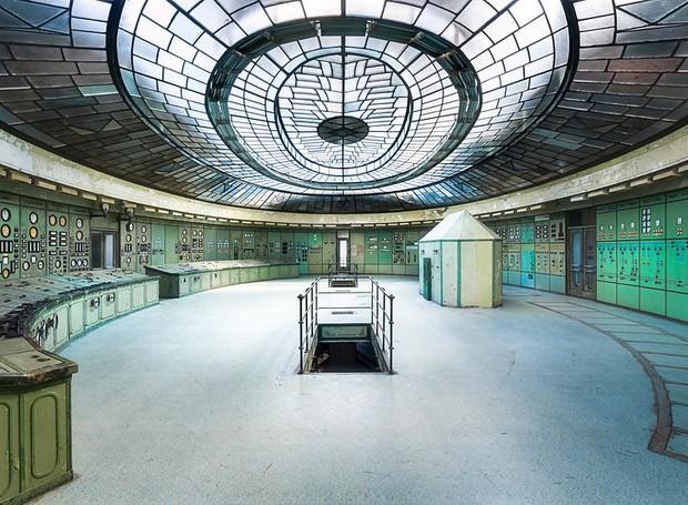 Roman Robroek, da Holanda, fotografou uma estação de energia semi-abandonada em Budapeste, na Hungria (Foto: Architectural Photography Awards/Reprodução)