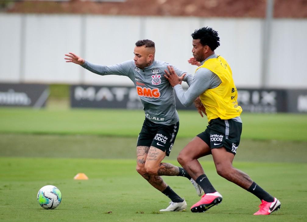 Corinthians trabalha no CT visando duelo com o Grêmio; veja provável time