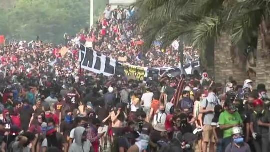 Sobe para 15 o número de mortos em protestos no Chile
