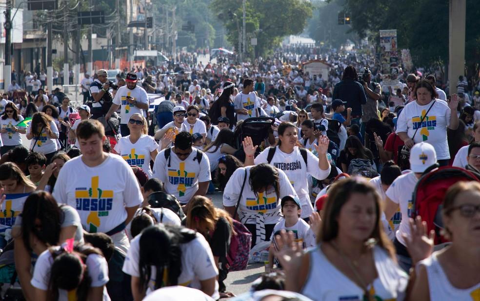 Fieis participam da Marcha para Jesus em São Paulo — Foto: Bruno Rocha/FotoArena/Estadão Conteúdo
