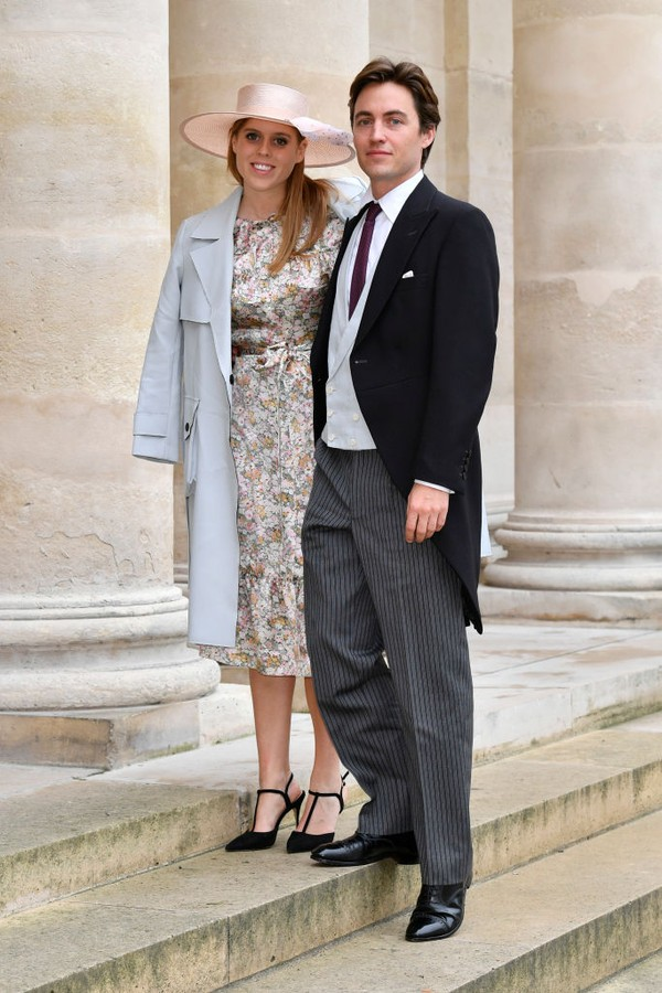 PARIS, FRANCE - OCTOBER 19: Princess Beatrice d'York and her fiance Edoardo Mapelli Mozzi attend the Wedding of Prince Jean-Christophe Napoleon and Olympia Von Arco-Zinneberg at Les Invalides on October 19, 2019 in Paris, France. (Photo by Luc Castel/Gett (Foto: Getty Images)