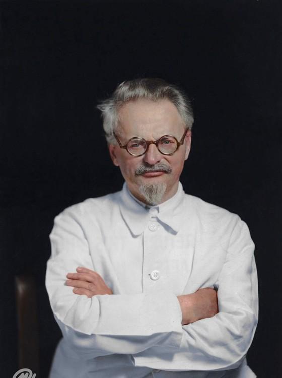 Leon Trótski (Foto: COLORIZADAS POR MARINA AMARAL)