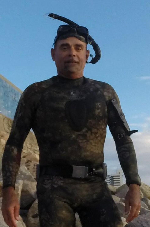 Luciano Marconi, 56, italiano radicado em Fortaleza, se perdeu no mar durante prática de mergulho e nadou por 13 horas até ser salvo. (Foto: Arquivo Pessoal)