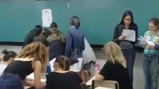 Após confusão, candidatos exibem prova de concurso e pedem anulação