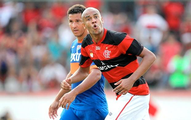 Rizek alerta Flamengo: Apostar no Alex Silva é sinônimo de sofrimento