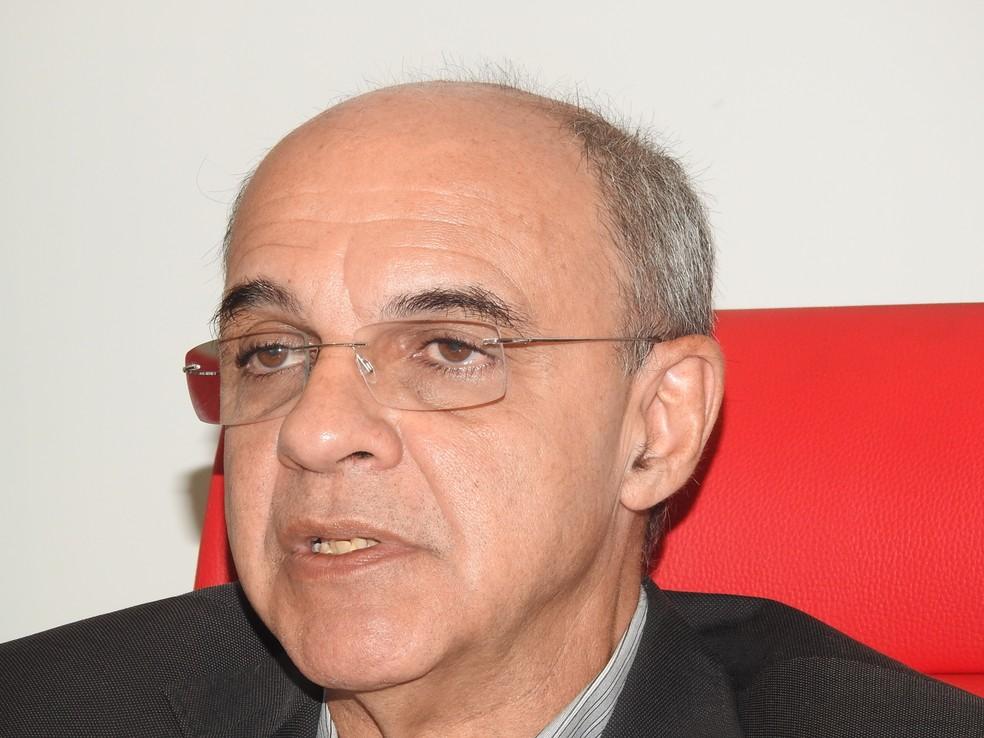 Eduardo Bandeira de Mello disse que não pode garantir todas as conquistas (Foto: Fred Gomes)