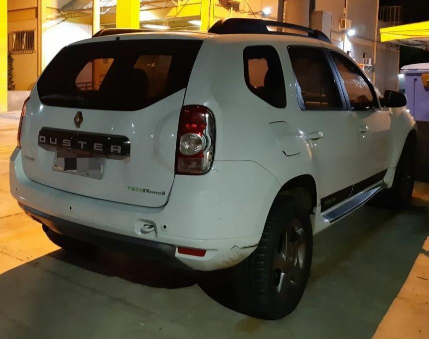 Motorista é detido com carro furtado em Barra do Piraí