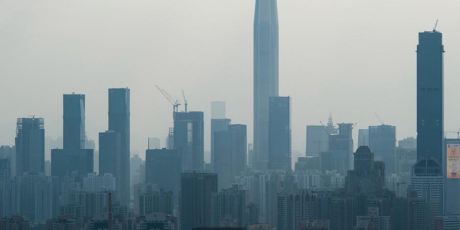 Com a explosão imobiliária dos últimos anos, Shenzhen passou a ter o metro quadrado mais caro da China. Alguns dos mais importantes escritórios de arquitetura do mundo assinam suas construções (Foto: BLANCHES / IMAGINECHINA / AFP)