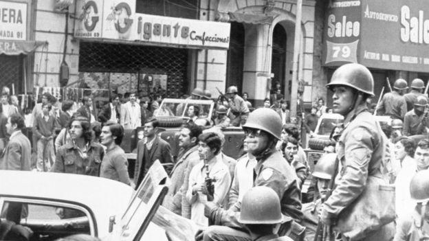 Chile vivia forte turbulência socioeconômica quando golpe militar foi decretado (Foto: AFP via BBC)