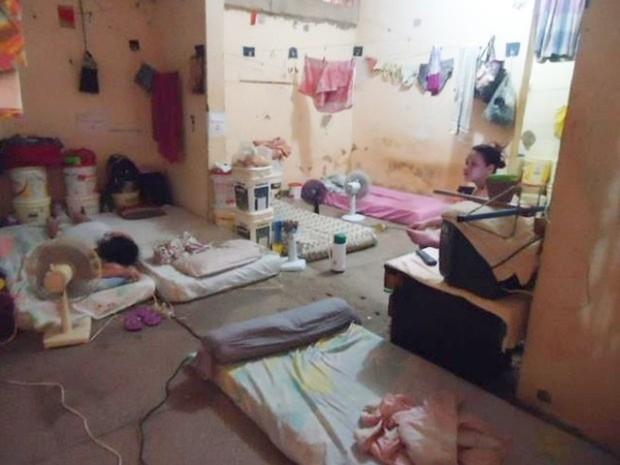 Na Ala Feminina do Complexo Penal Estadual Agrícola Dr. Mário Negócio, em Mossoró, não há camas. As presas dormem em colchões no chão  (Foto: Pastoral Carcerária)