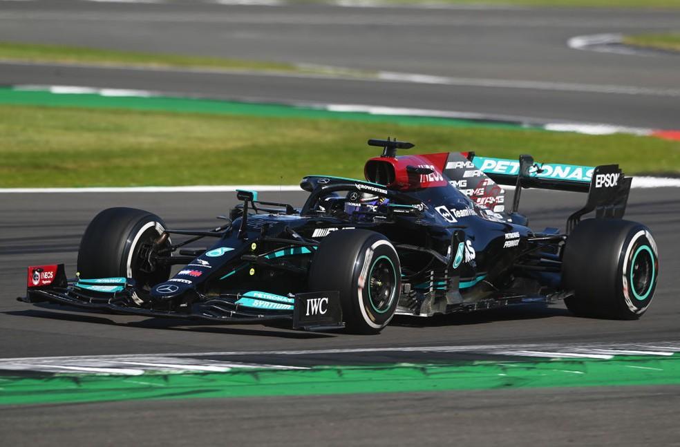 Lewis Hamilton supera punição e vence GP da Inglaterra — Foto: Michael Regan/Getty Images