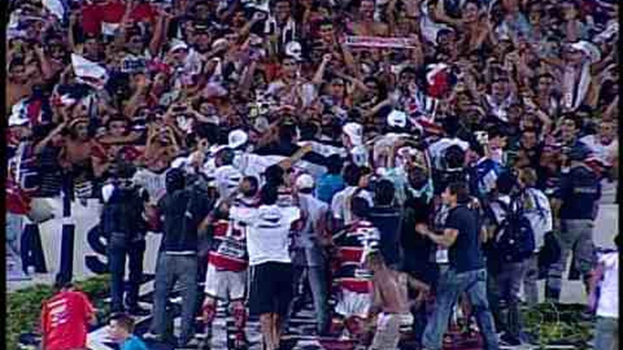 Santa Cruz conquista título do Pernambucano de 2011 mesmo após derrota por 1 a 0 para o Sport