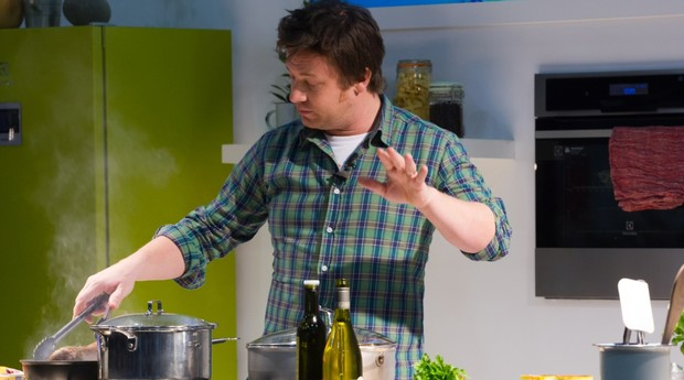 Jamie Oliver é responsável pelo cardápio de 6 redes de restaurantes espalhadas pelo mundo (Foto: Shutterstock)