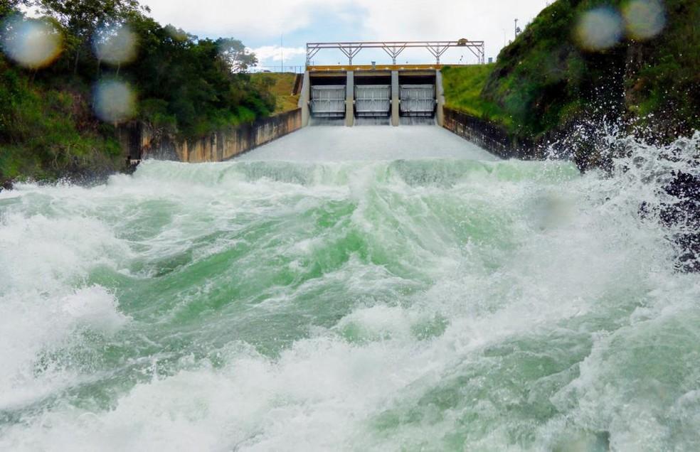 Com reservatório cheio, CEB aumenta vazão do Lago Paranoá, em Brasília — Foto: CEb/Divulgação