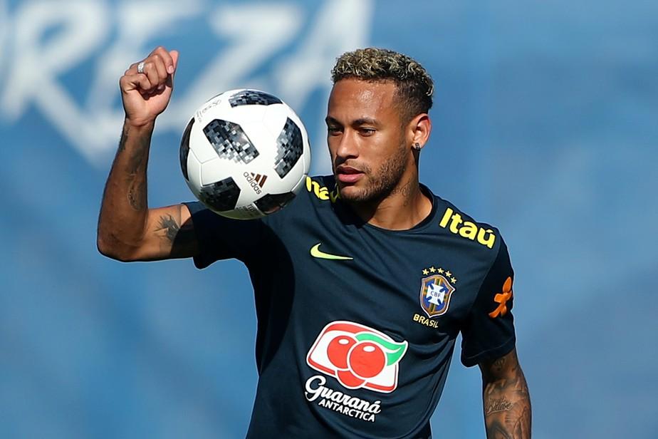 Por foco na Copa, pai de Neymar pede a amigos fim de brigas em redes sociais