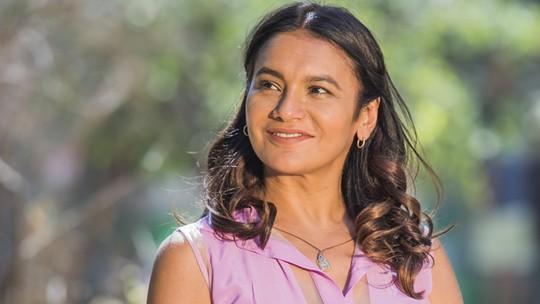 Prefeita Beatriz, de 'Velho Chico', emociona público e ganha destaque na web