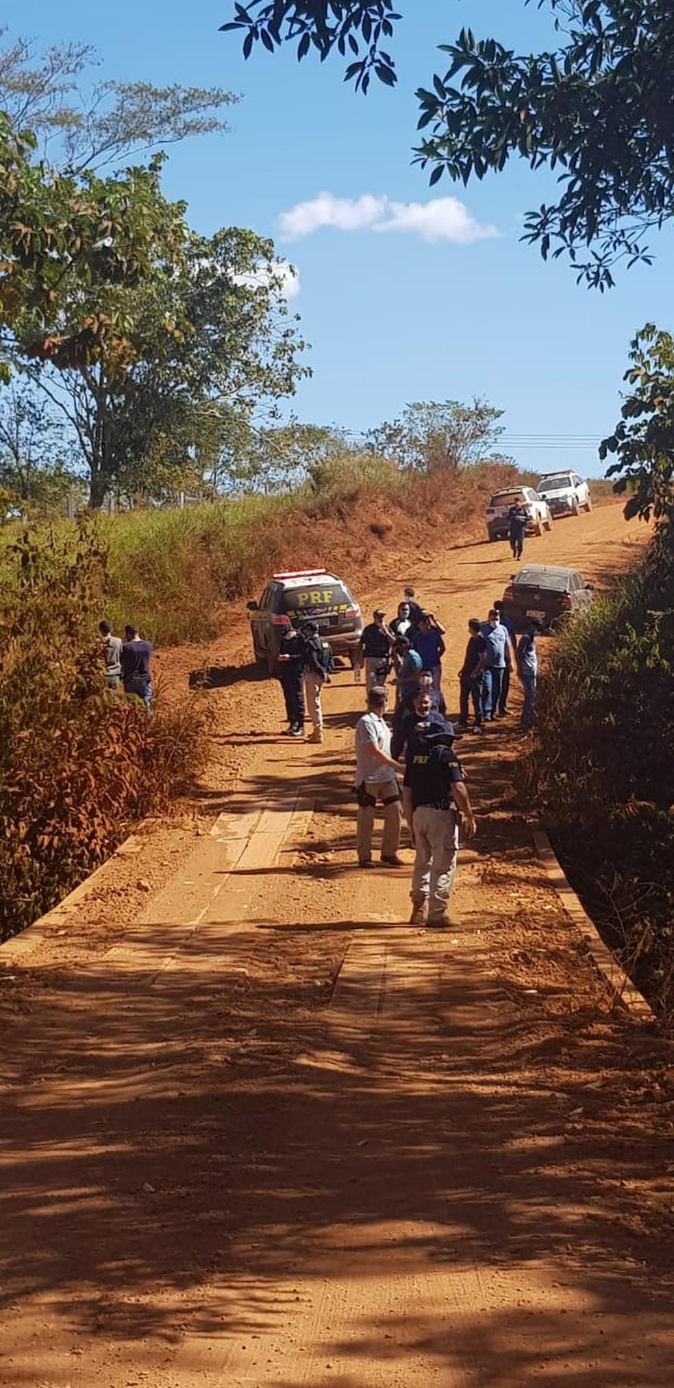 Local onde corpos das vítimas foram enterrados, no Cone Sul — Foto: PRF/Divulgação