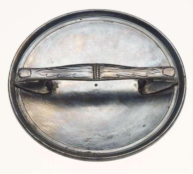 Espelho encontrado junto do esqueleto (Foto: Divulgação/LVR-LandesMuseum Bonn)