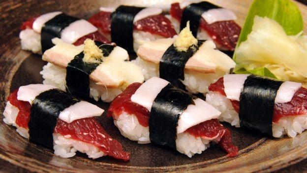 As baleias capturadas pelo Japão para pesquisas geralmente são destinadas, depois, à indústria de alimentos (Foto: AFP)