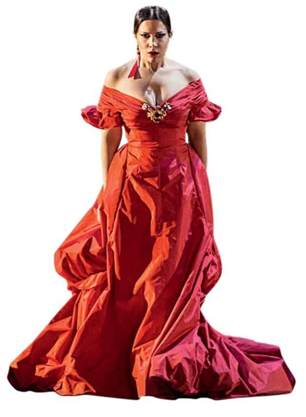 Figurino assinado pela Valentino para a versão de Sofia Coppola em La Traviata (Foto: Getty Images, Divulgação e Reprodução/Instagram)